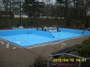 neue folie fuers nichtschwimmerbecken 17 20120421 2061136791