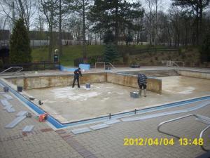 neue folie fuers nichtschwimmerbecken 9 20120421 1210647859