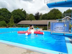 Spielenachmittag und Fackelschwimmen 2019